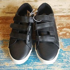 Velcro size 6 sneakers